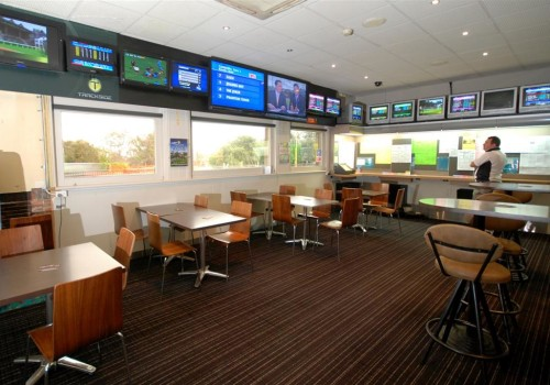 riviera-hotel-sports-bar-image
